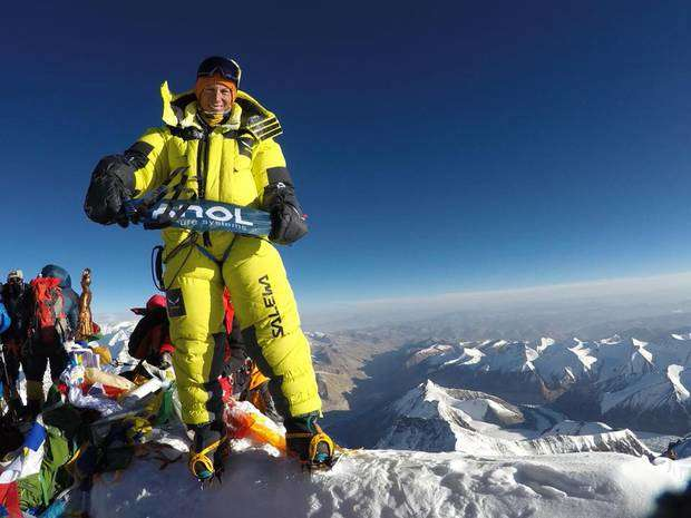 Francois Cazzanelli in vetta all'Everest (foto fb Cazzanelli)