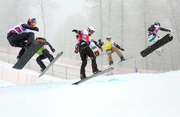 Una fase dello snowboardcross di Sochi 2013 (foto GEPA)