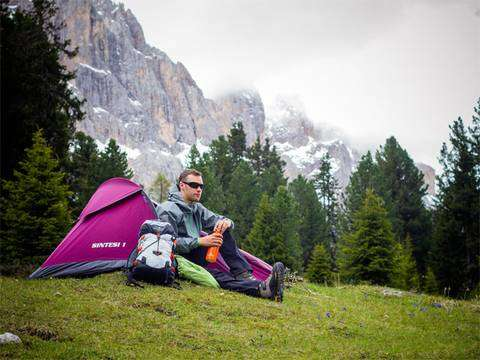 Il pacchetto Light di Ferrino per la vita outdoor: tenda, zaino e saccoletto (foto PillowLab)