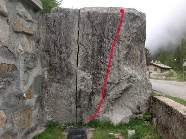 Masso Fessura Kosterlitz a Ceresole Reale (foto gulliver) 0c02253990af
