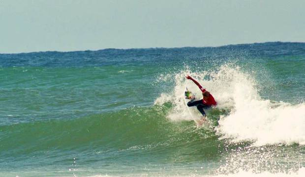 QUIKSILVER_LeonardoFioravanti_Skullcandy_Oz_Grom_Open2012_in_action_(foto EmilianoCataldi-SurfEXPLORE).jpg