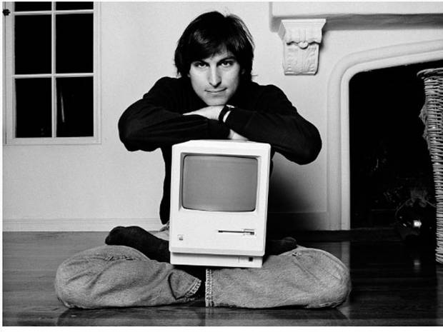 Steve Jobs con il suo primo Apple